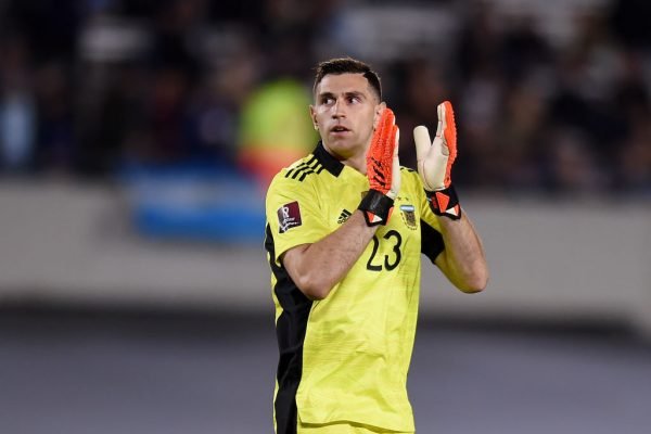 Lionel Messi reveals Emiliano Martinez is world-class goalkeeper. Argentina captain Lionel Messi is baffled by Arsenal's policy of head coach Mikel Arteta because he dared to release Emiliano Martinez.